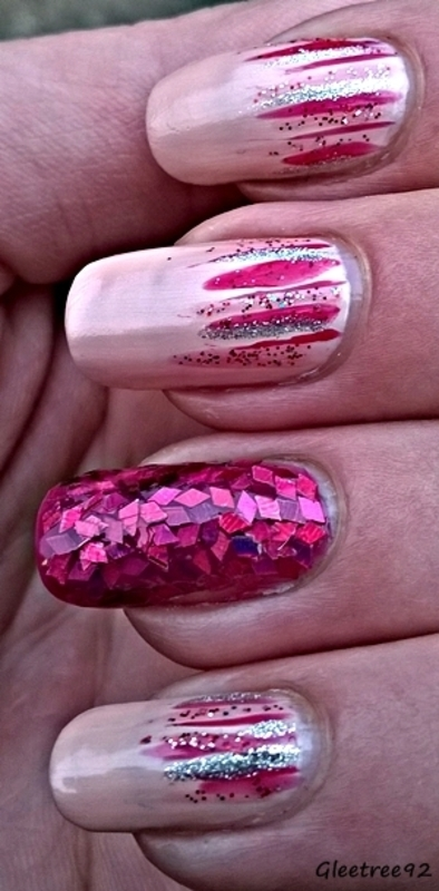 Waterfall accent nail mani nail art by Mila