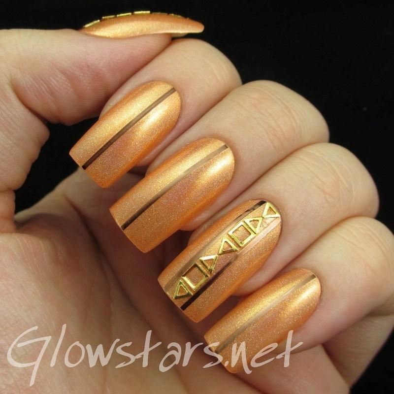 Feat Born Pretty Store Mini Hollow Triangle Nail Studs nail art by Vic 'Glowstars' Pires
