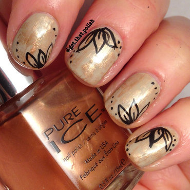 Dry Brush Gold nail art by Luciana