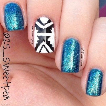Tribal Accent nail art by 25_sweetpea