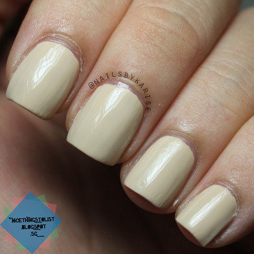 Opi you re so vain illa swatch indoors thumb370f