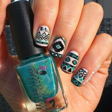 Tribal 20geometric 20nails 20mymay thumb370f
