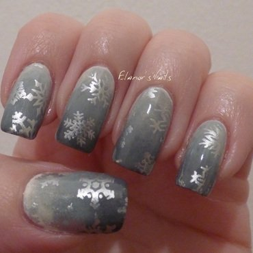 Snowflakes & Grey Gradient nail art by Ginger_Elanor