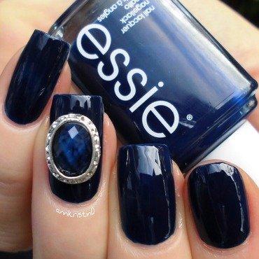 Essie Style Cartel Swatch by Ann-Kristin