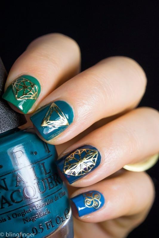 Diamond Stickers nail art by  Petra  - Blingfinger