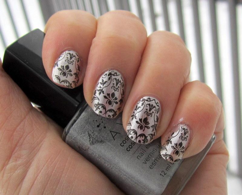 Nail Art Nouveau nail art by HELEN KAY - Nailpolis: Museum of Nail Art