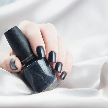 Opi fifty shades of grey dark side of the mood swatch thumb370f