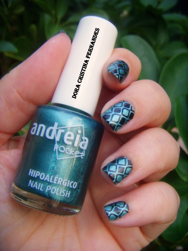 Matte Suede Green nail art by Dora Cristina Fernandes