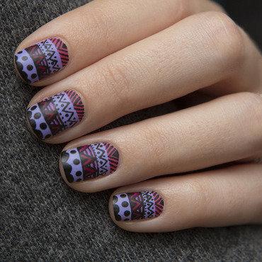 Aztec print nail art by Magdalena