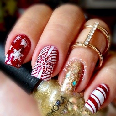 Christmas Bow nail art by Debbie