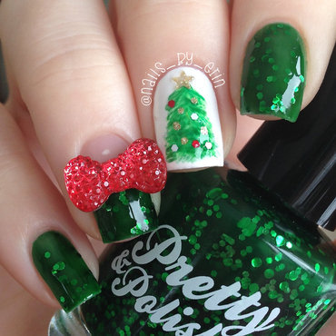 Christmas Tree Nails nail art by Erin