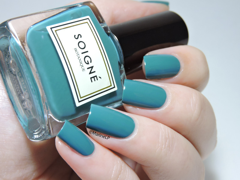Soigné Glaçage Turquoise Swatch by Marine Loves Polish