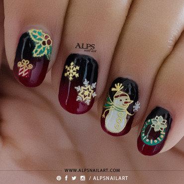 Christmas Nails by @alpsnailart nail art by Alpsnailart