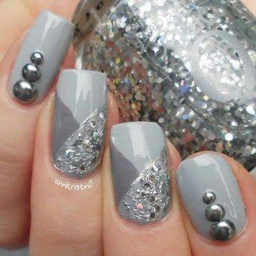 Grey Silver Studs nail art by Ann-Kristin