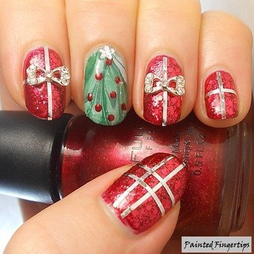 Christmas Tree Water Marble with Gifts nail art by Kerry_Fingertips