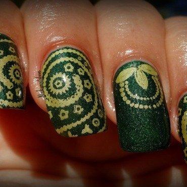 Henna nail art by Nicky