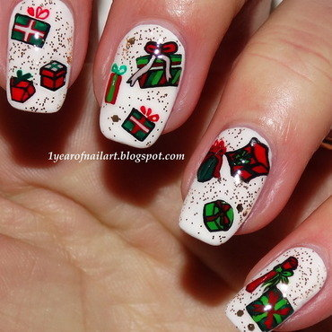 Christmas presents nail art by Margriet Sijperda