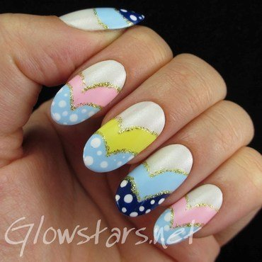 Curved pastel chevrons and dots nail art by Vic 'Glowstars' Pires