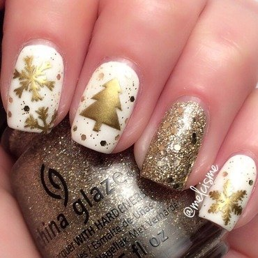 White & Gold Christmas nail art by Melissa