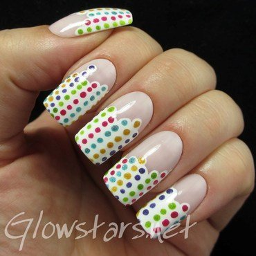 Dotty stripes nail art by Vic 'Glowstars' Pires
