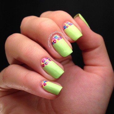 Flower pot nail art by Anna Malinina