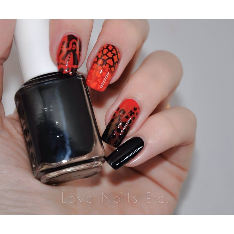 <3 Queen of Hearts <3 nail art by Love Nails Etc