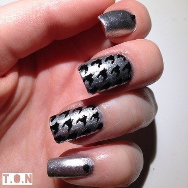 Silver Houndstooth  nail art by Tipped Off Nails