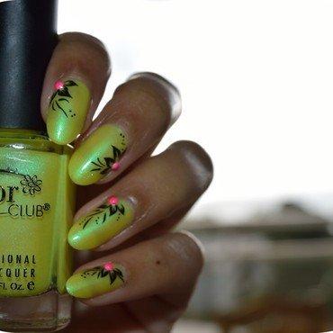 Fleur fluo nail art by MimieS Nail