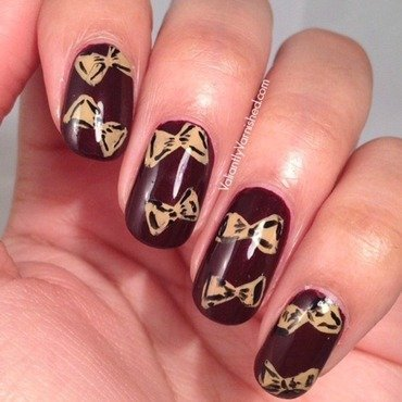 Freehand bow nail art pic1 thumb370f