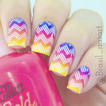Degradê Neon nail art by Brasil_nailart