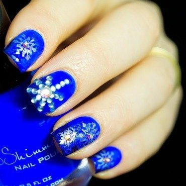 Crystal Snowflake nail art by  Petra  - Blingfinger