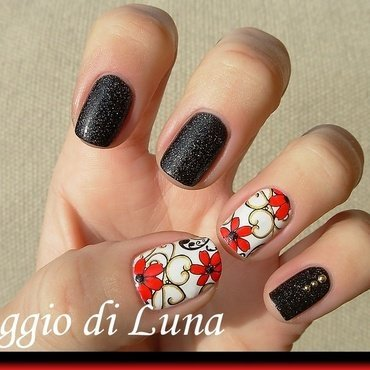 Red flowers on white nail art by Tanja