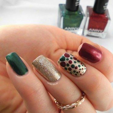 Christmas Dotticure nail art by Ann-Kristin