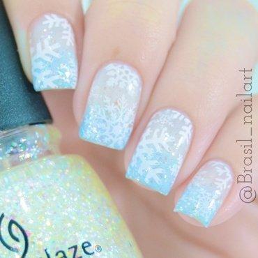 Snowflake nail art by Brasil_nailart