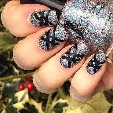 Hexy Bikini stripes  nail art by Claire O'Sullivan