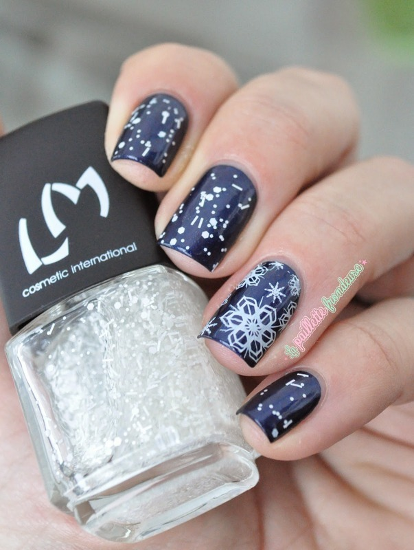 Let it snow nail art by nathalie lapaillettefrondeuse
