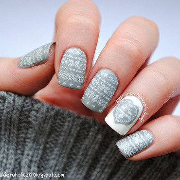 Sweater weather nail art by Olaa