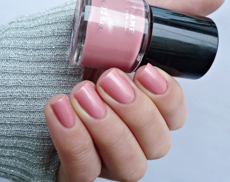 Oriflame Nude Pink Swatch by Romana