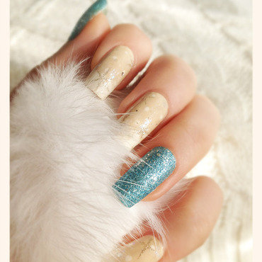 Snowing nail art by Bazavan Diana
