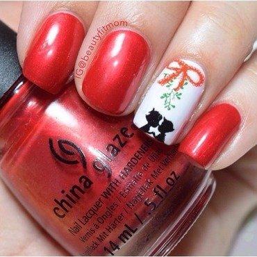 Mistletoe  nail art by Beautyfitmom