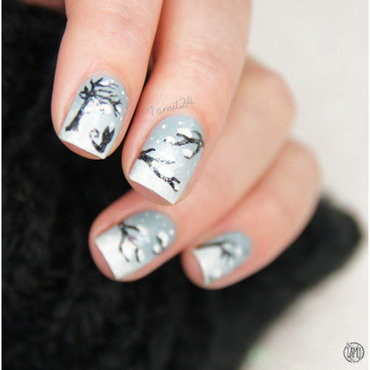 Snow nails. nail art by Paulina
