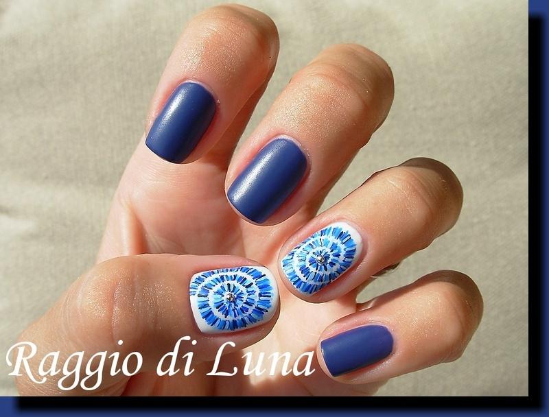 Blue lines swirl nail art by Tanja