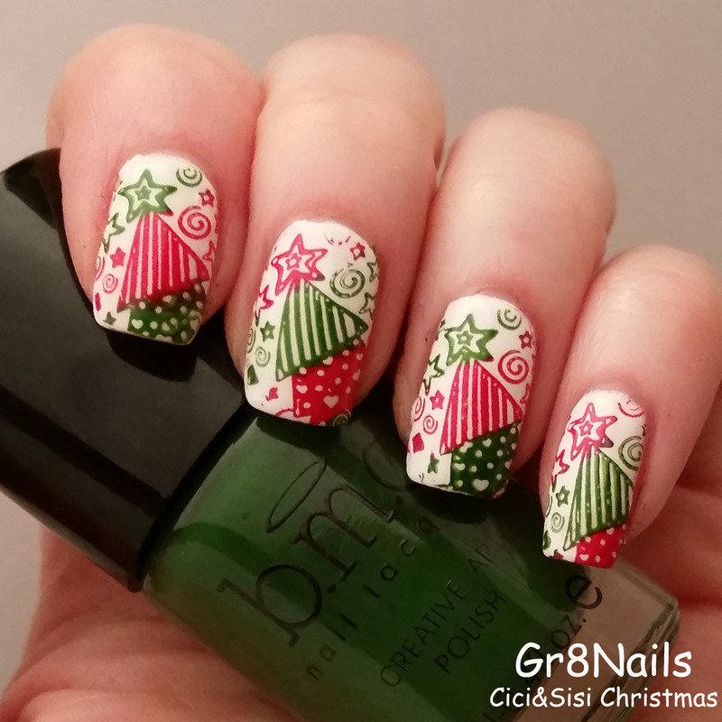 Oh Christmas Tree nail art by Gr8Nails