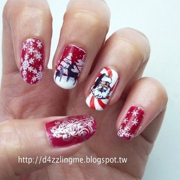 Christmas Nails  nail art by D4zzling Me