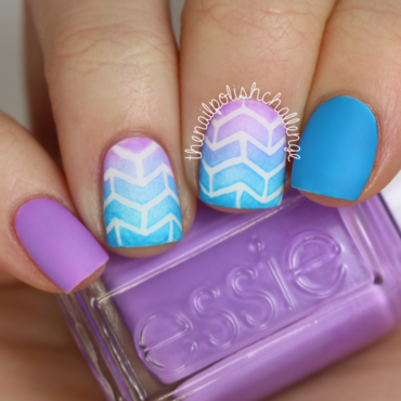 Geometric Arrowhead Gradient nail art by Kelli Dobrin