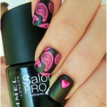 Black and fuchsia nail art by Yami