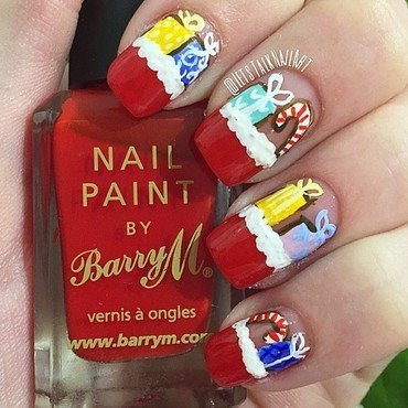 Santa's Presents Sack  nail art by Lottie