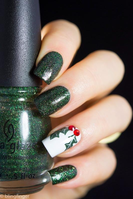 Holly Nail Art nail art by  Petra  - Blingfinger