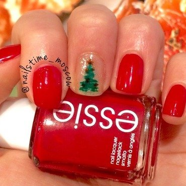 Christmas tree nail art by nailstime_moscow