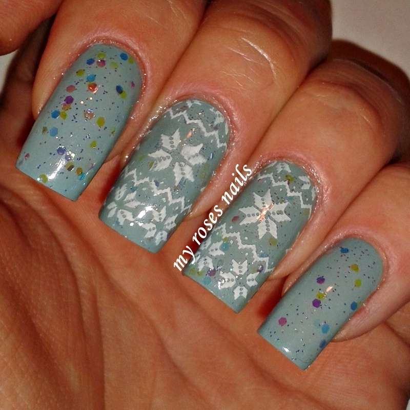Norwegian sweater nail art by Ewa